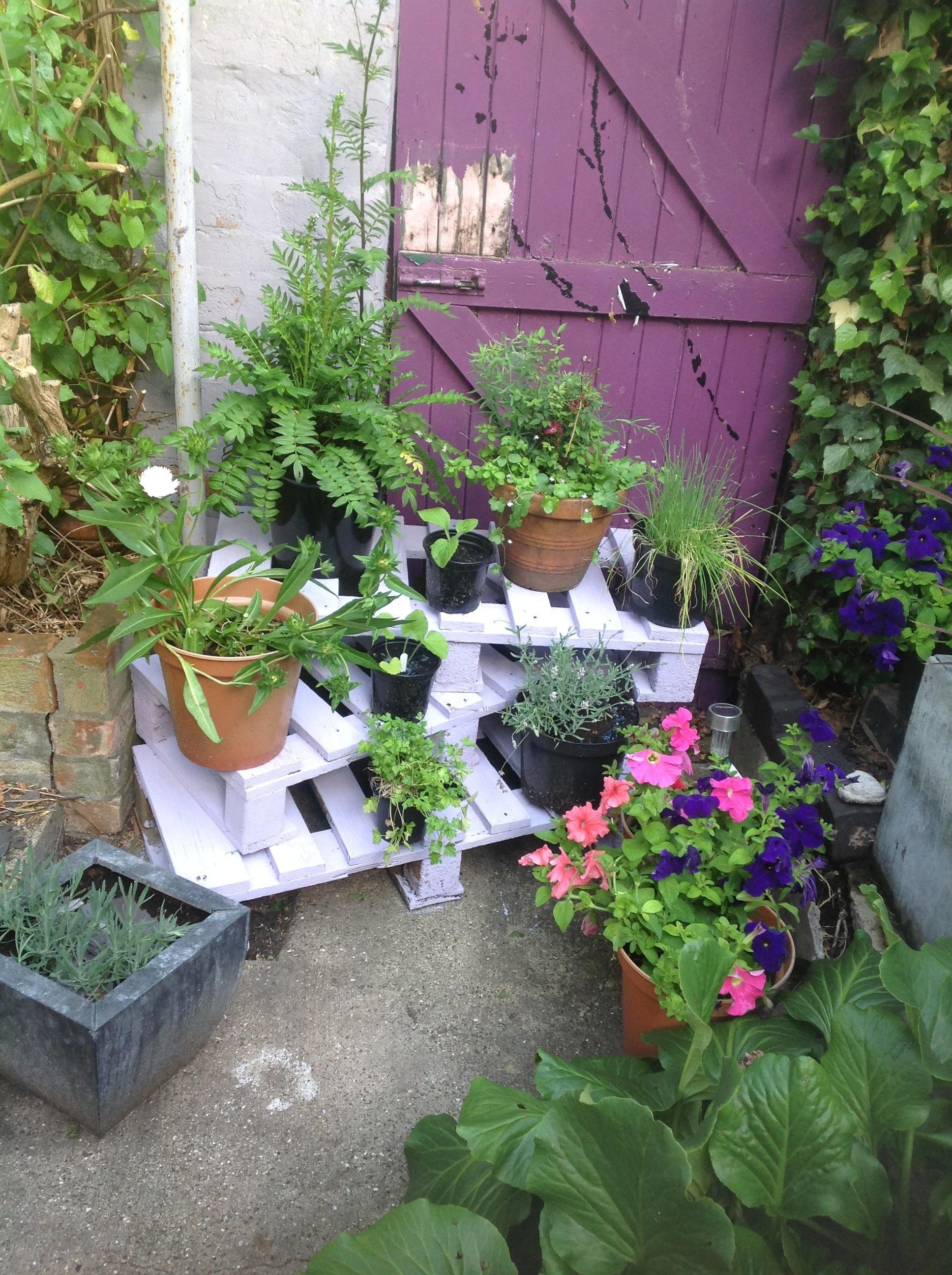 shabby chic gardinen 17 shabby chic garden for romantic feel house design and 25 best ideas. Black Bedroom Furniture Sets. Home Design Ideas